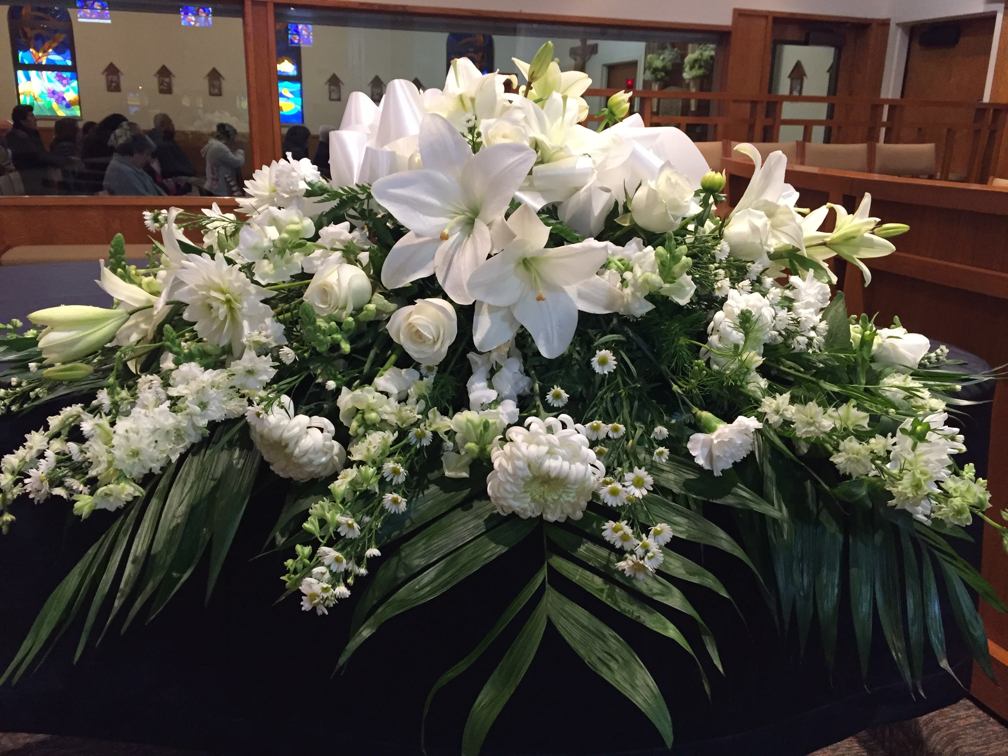 White Casket Spray Funeral In Santa Clarita Ca Flower Finesse,Painting And Decorating Jobs Spain