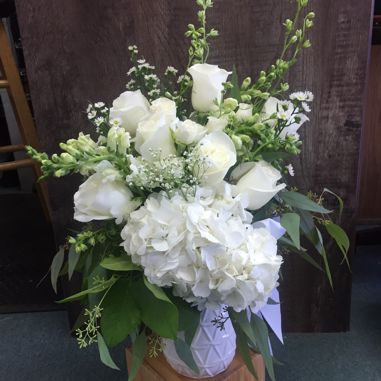 Pearl Of The Garden In Seattle Wa University Village Florist