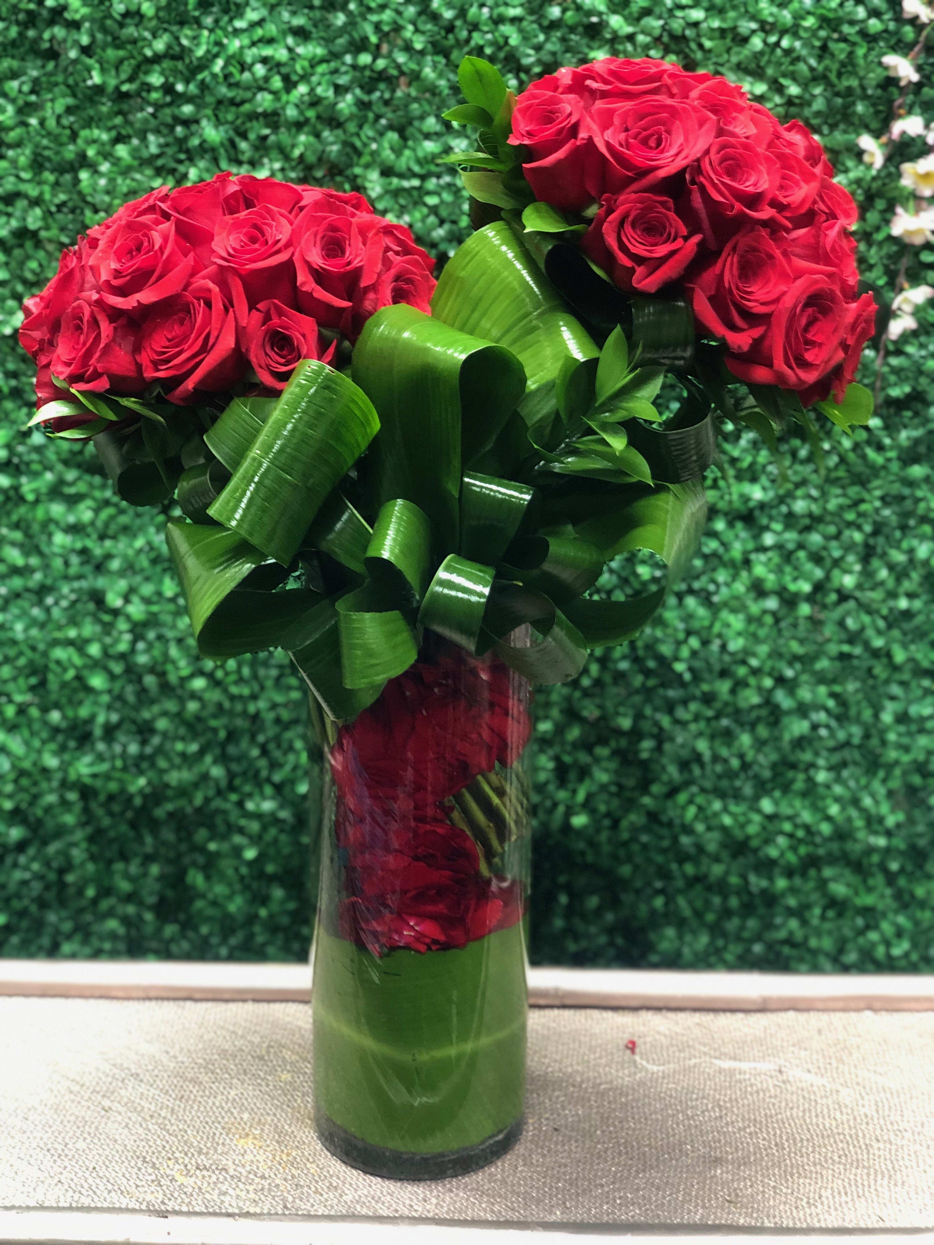 4 Dozen Red Roses With Rose Petals In Van Nuys Ca Van Nuys Flower Shop
