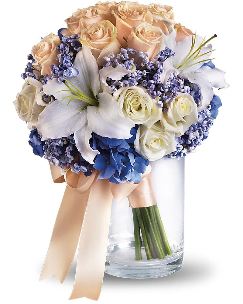 Nantucket Dreams Bouquet in Thousand Oaks, CA | Blue ...