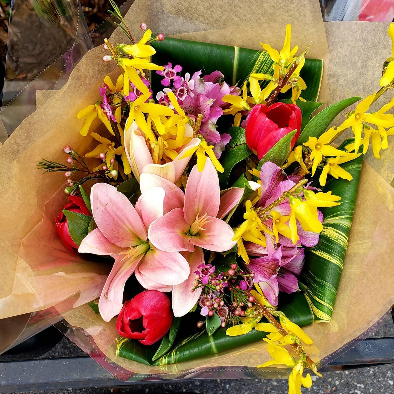 Metuchen Sunshine Bouquet In Metuchen Nj Gardenias Floral