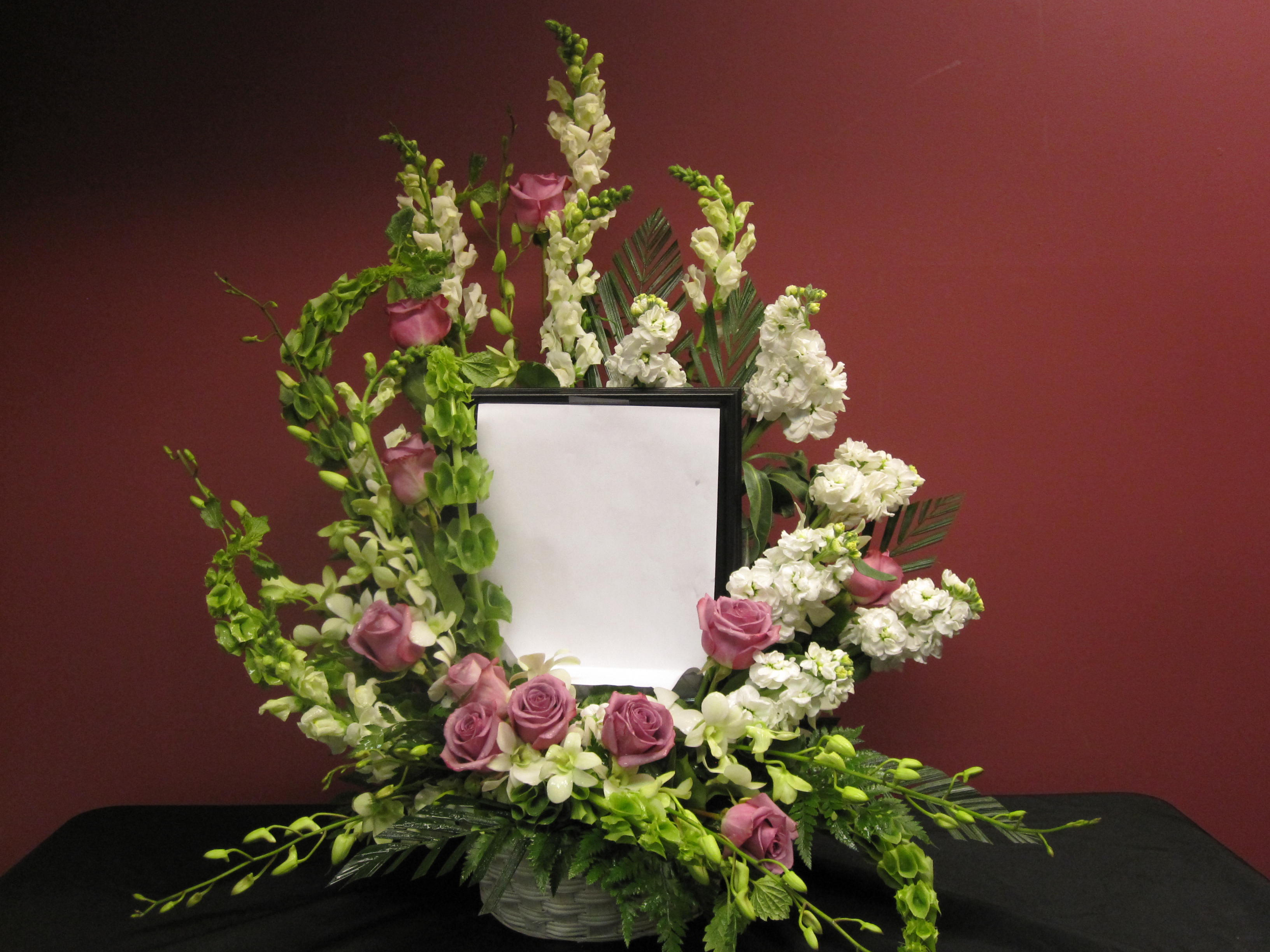 Loving Tribute Floral Frame In Wallingford Ct Wallingford Flower Shoppe