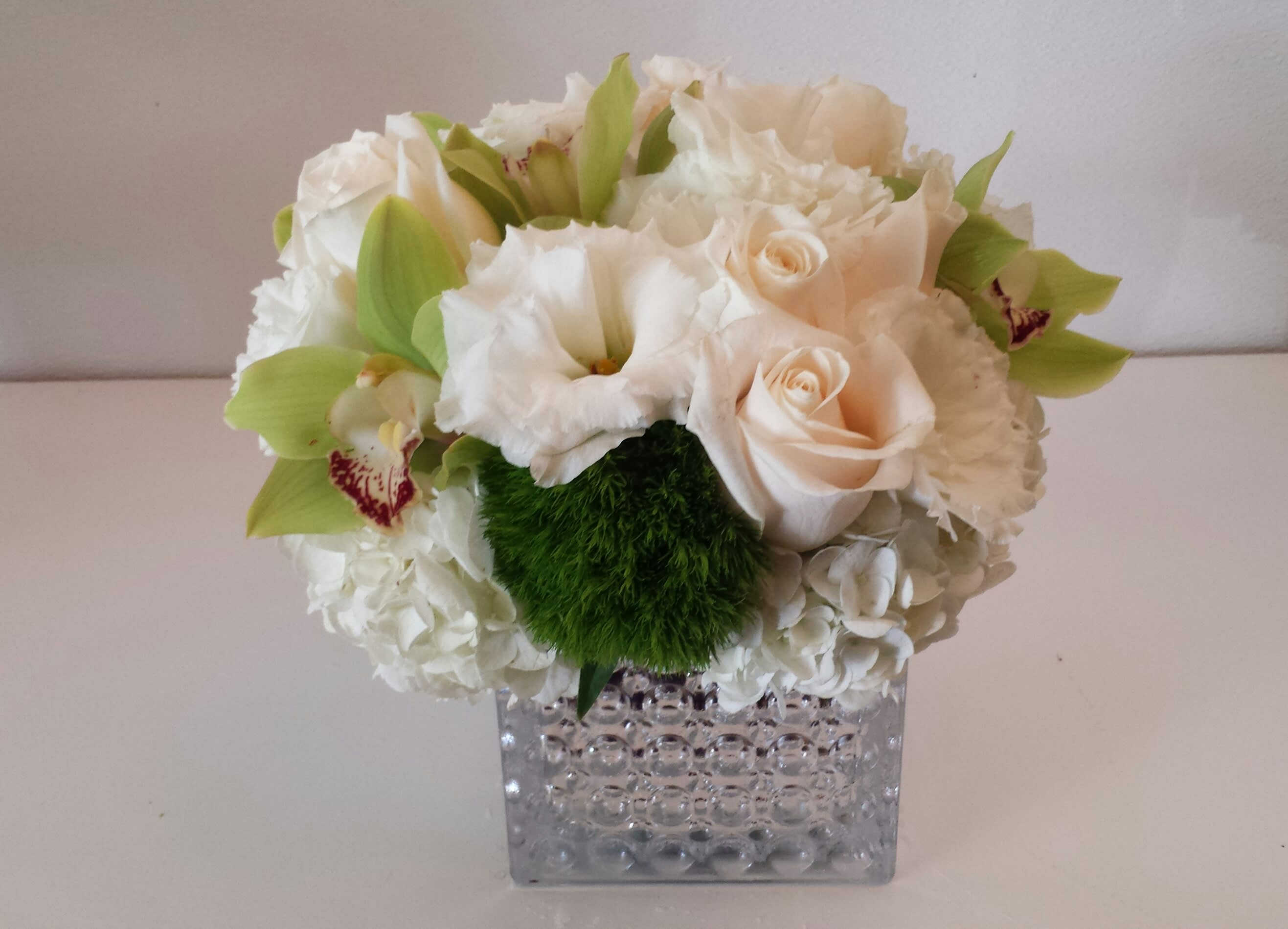 Modern White And Green In Beverly Hills Ca Apropos Floral Event Design