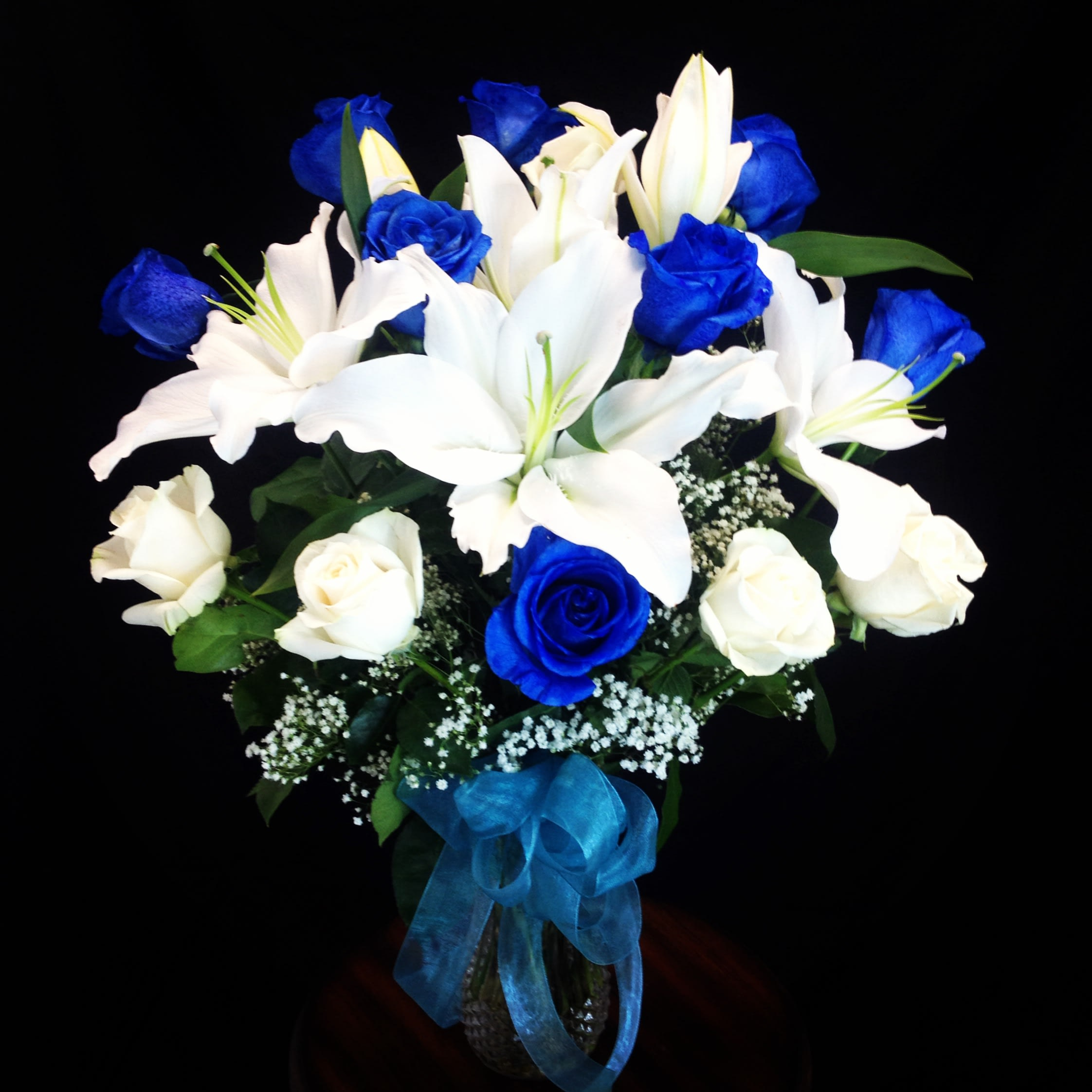 Sapphire Love Blue Roses In Moreno Valley Ca Garden Of Roses