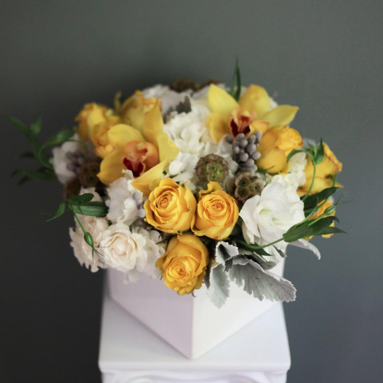Elegant Cube Vase In Dorchester Ma Coleen S Flower Shop