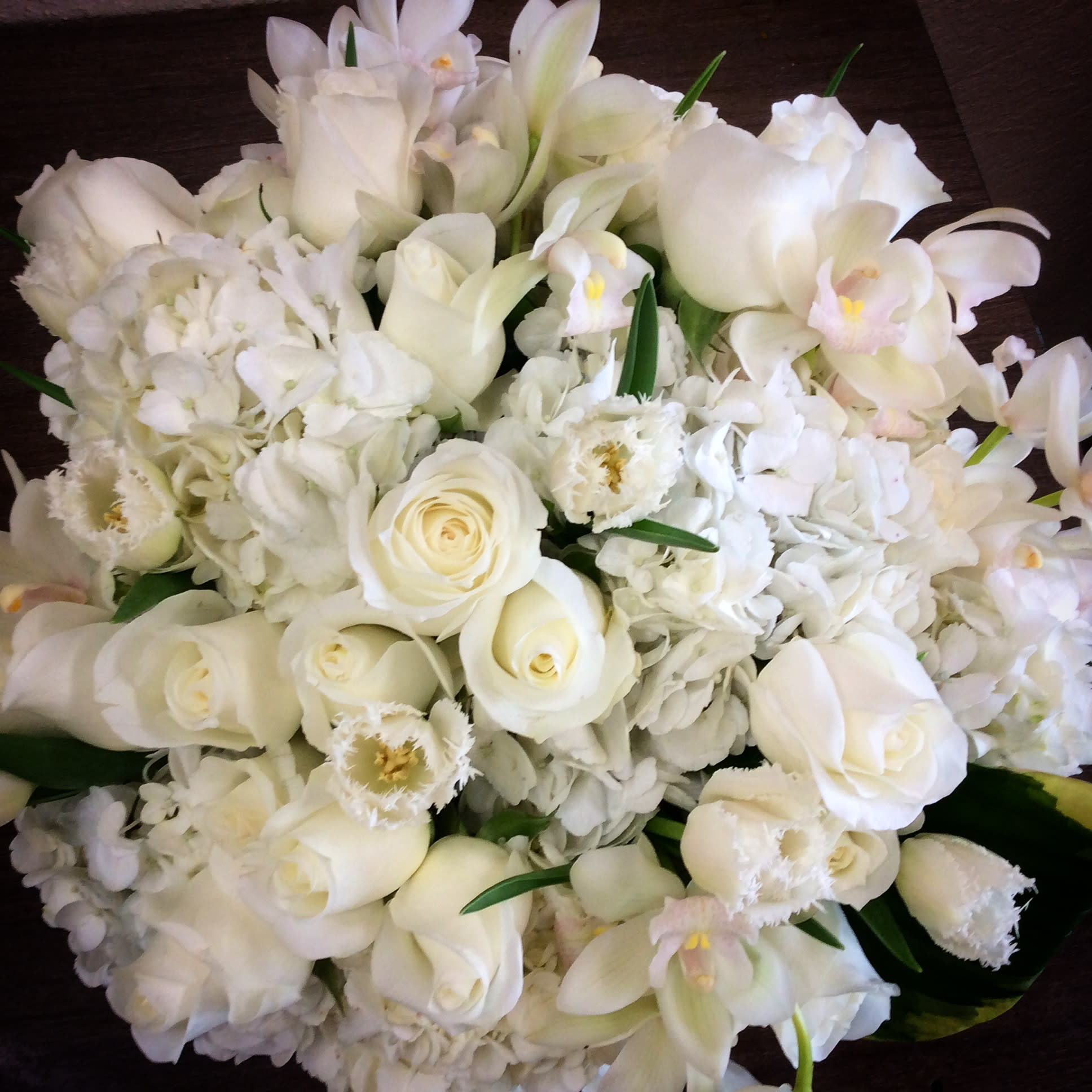 All White Brides Bouquet In Westlake Village Ca Westlake Village Garden Florist