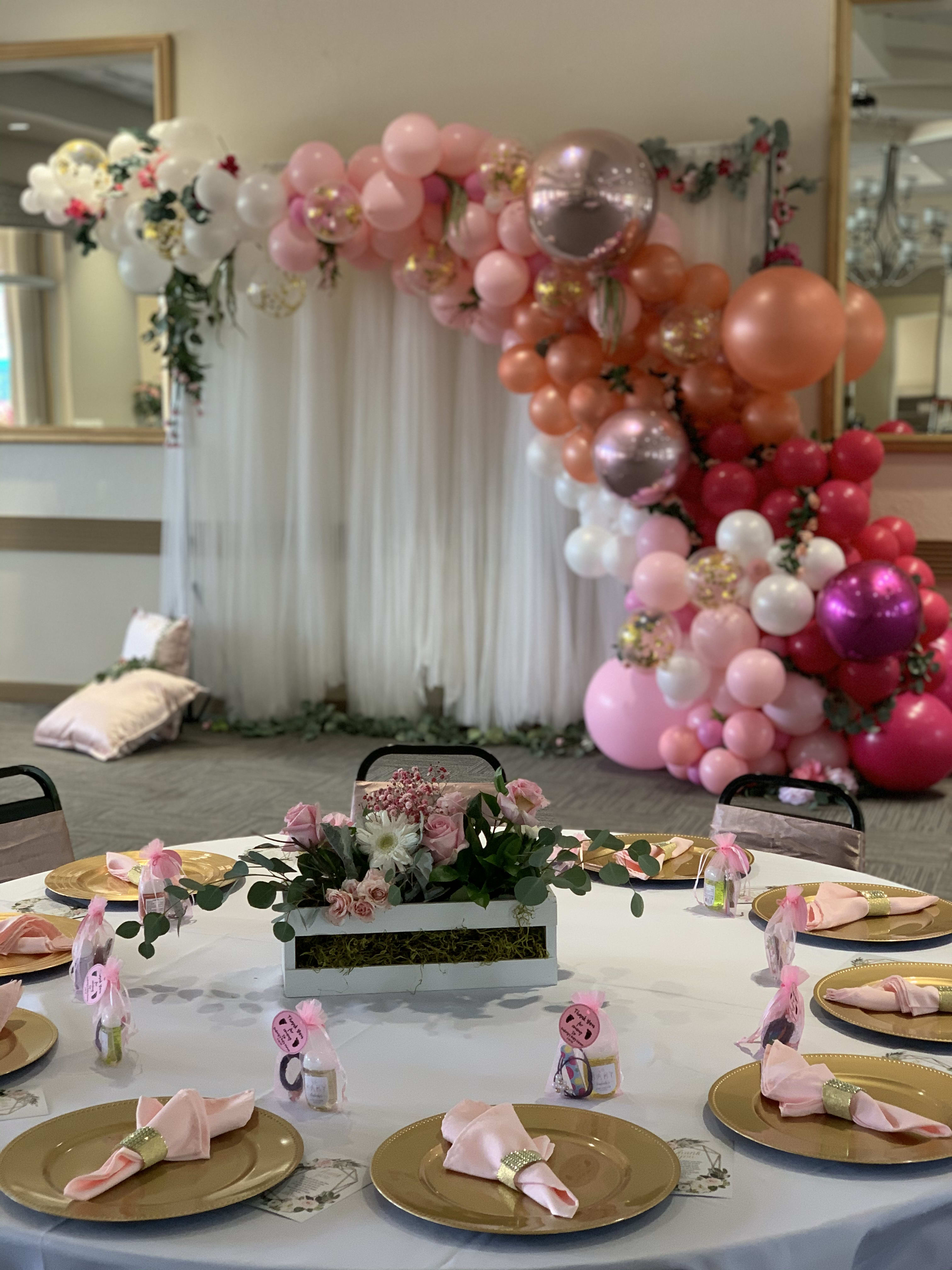Package Deal A Backdrop Balloon Garland And 5 Table Centerpieces In Hollywood Fl Event Designing By Ella