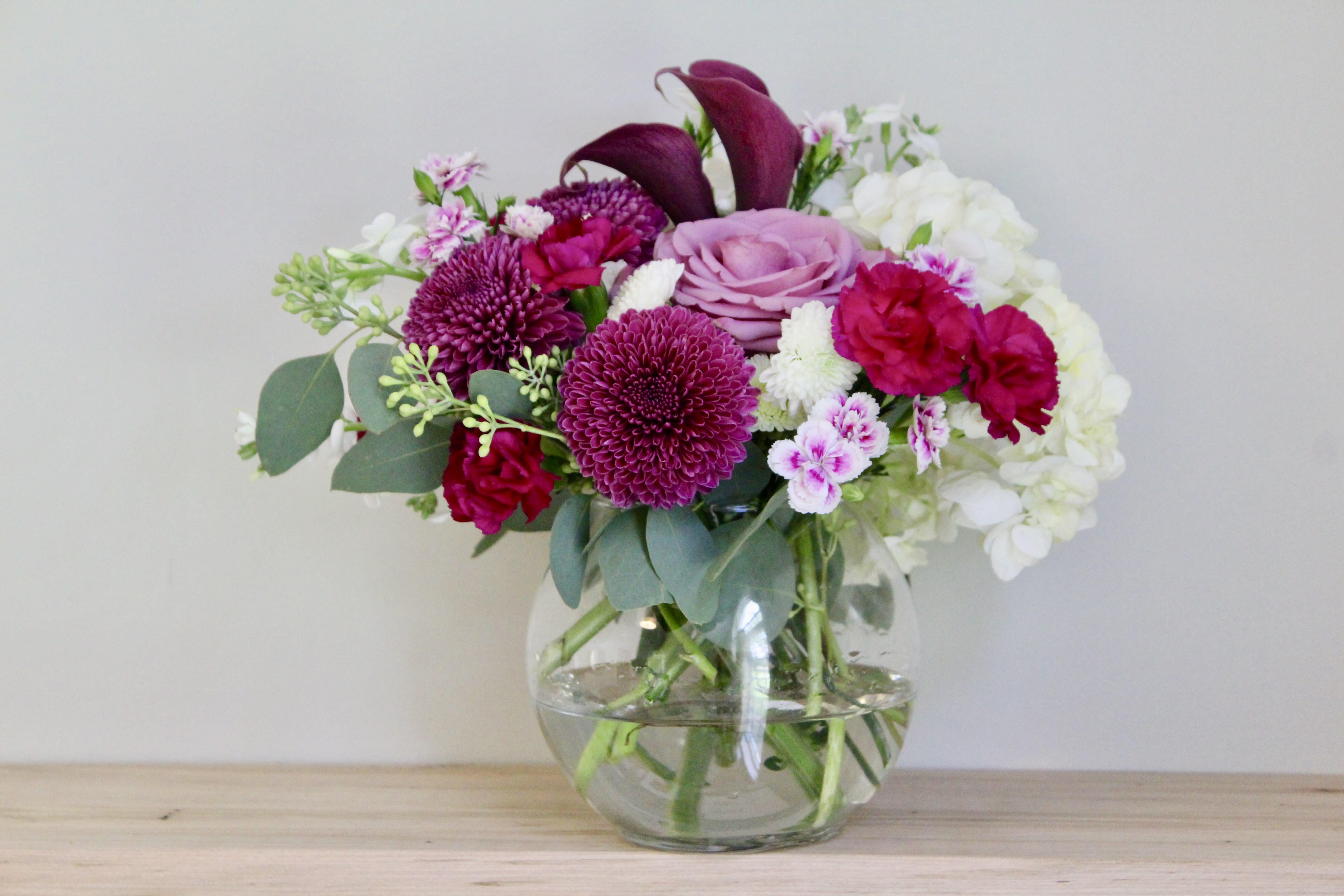 Jamberry Arrangement In Glass Vase In Charlottesville Va Oakwynn Floral Design