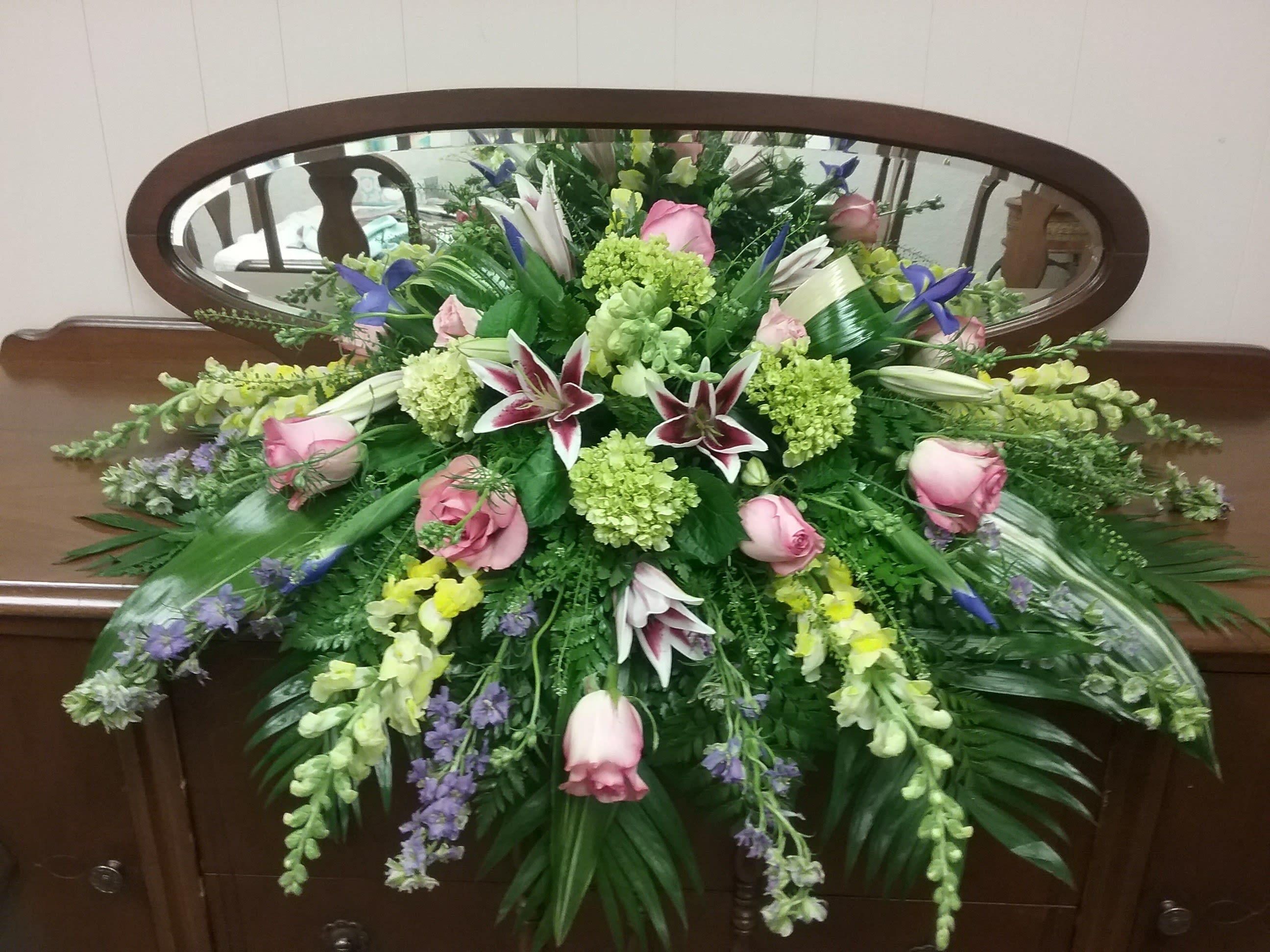 Green Hydrangea Roses Snapdragon Casket Piece In Wamego Ks The Flower Mill