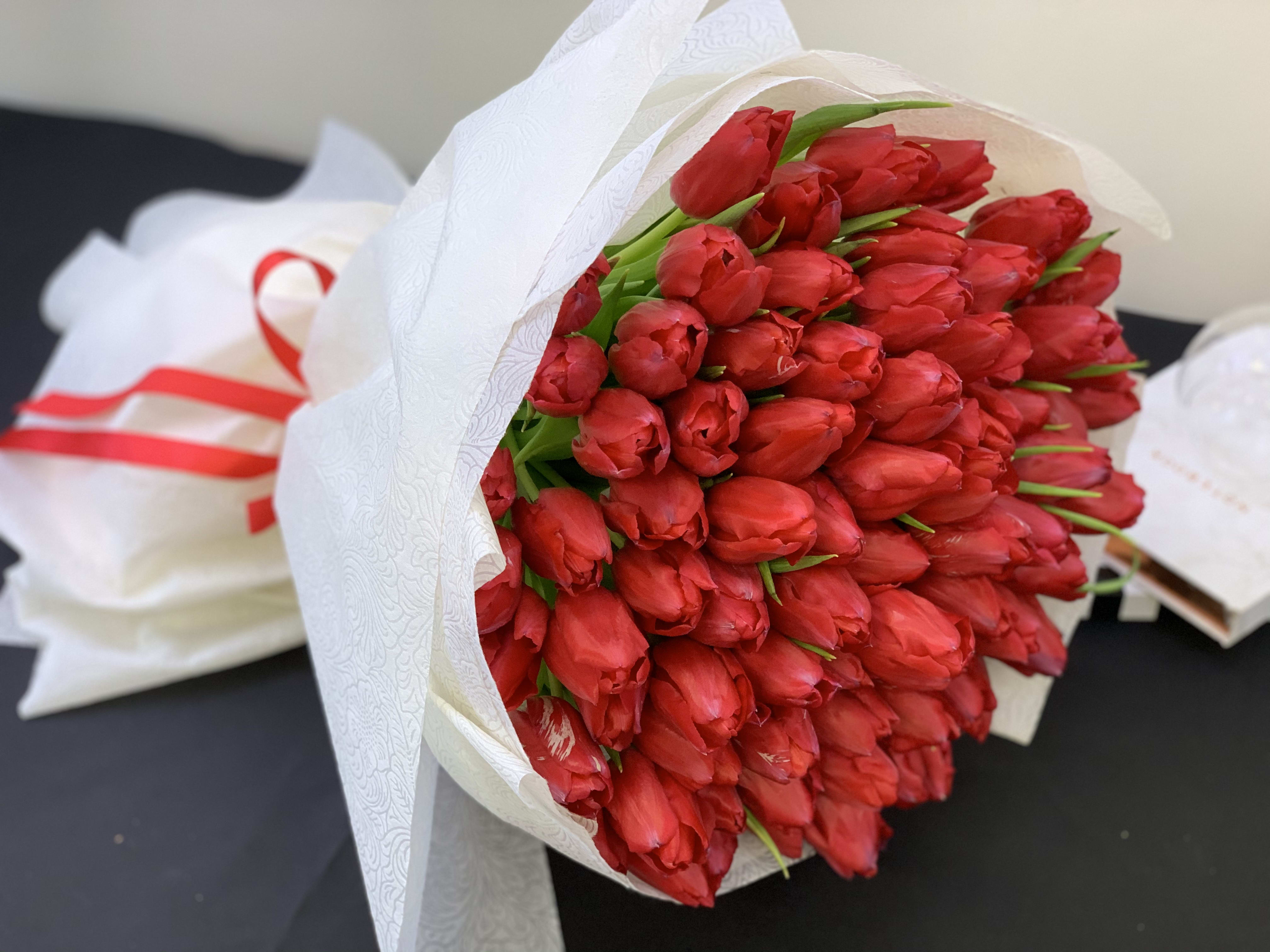 Hand Crafted Bouquet With Tulips In Miami Fl Luxury Flowers Miami