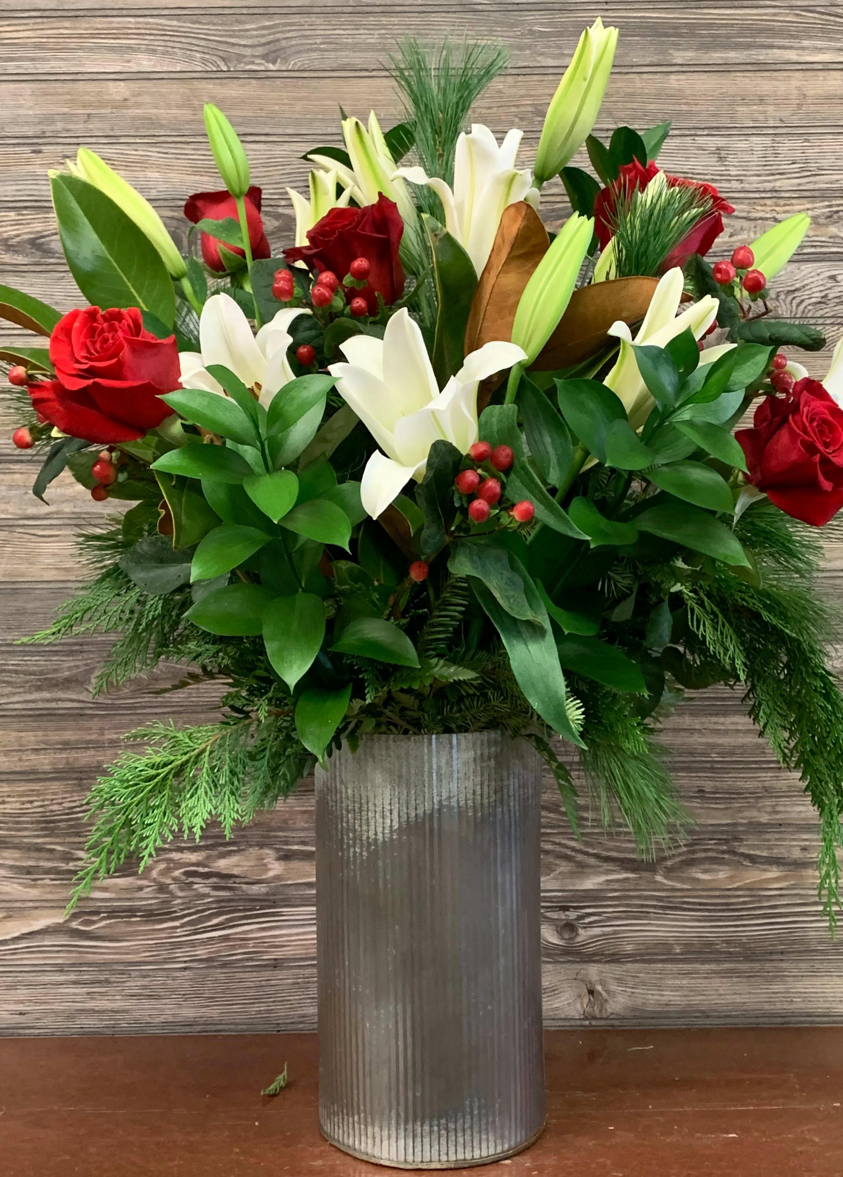Modern Winter Bouquet In Beachwood Oh Paradise Flower Market
