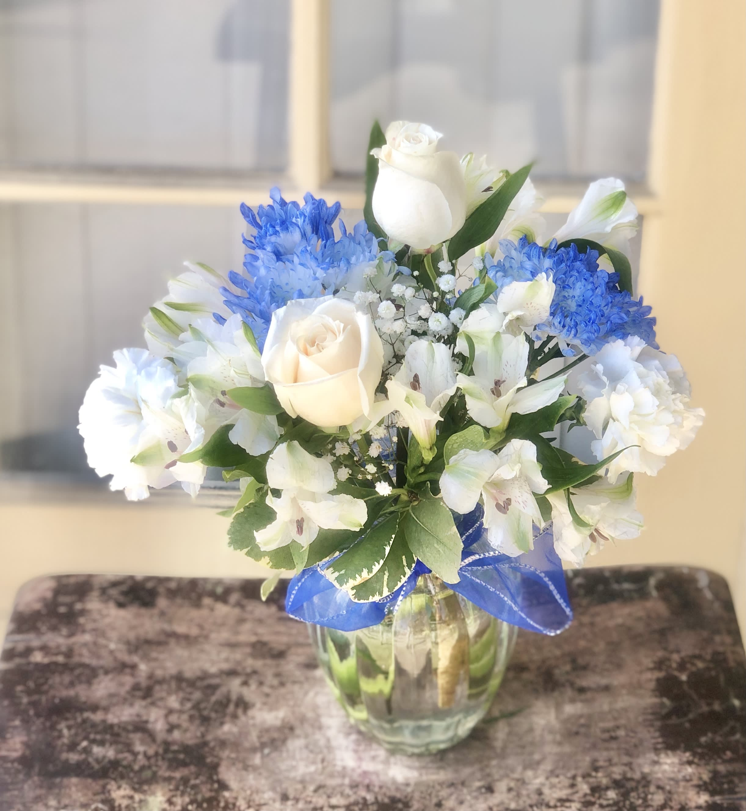 Brilliant Blue White Rose Bouquet In Placentia Ca Orchids Little Secret Boutique