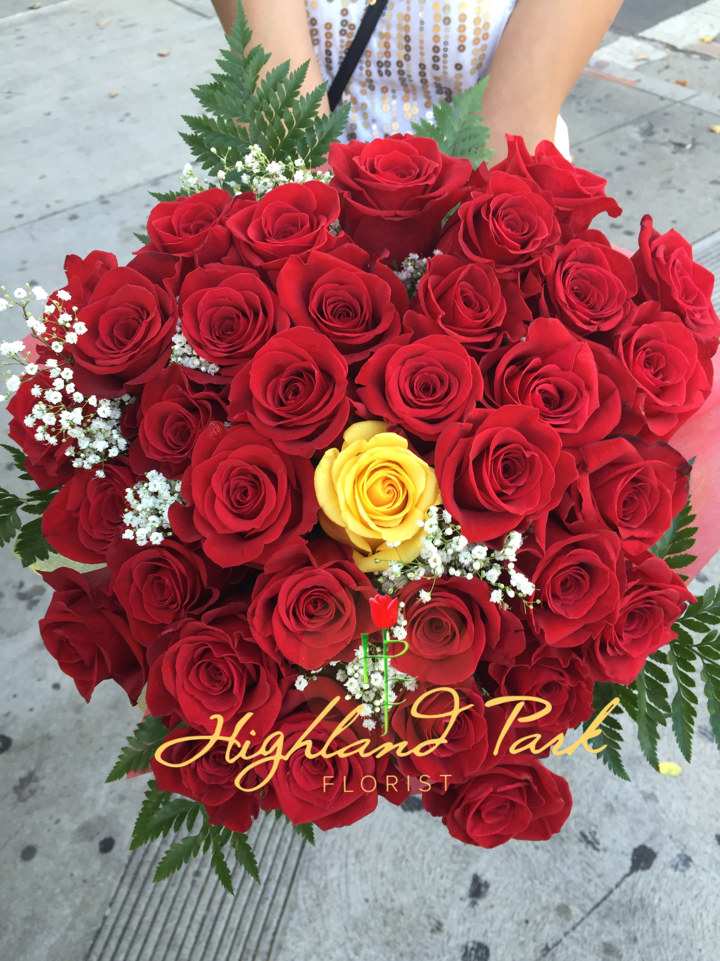 Hand Bouquet Of 50 Roses In Los Angeles Ca Highland Park Florist