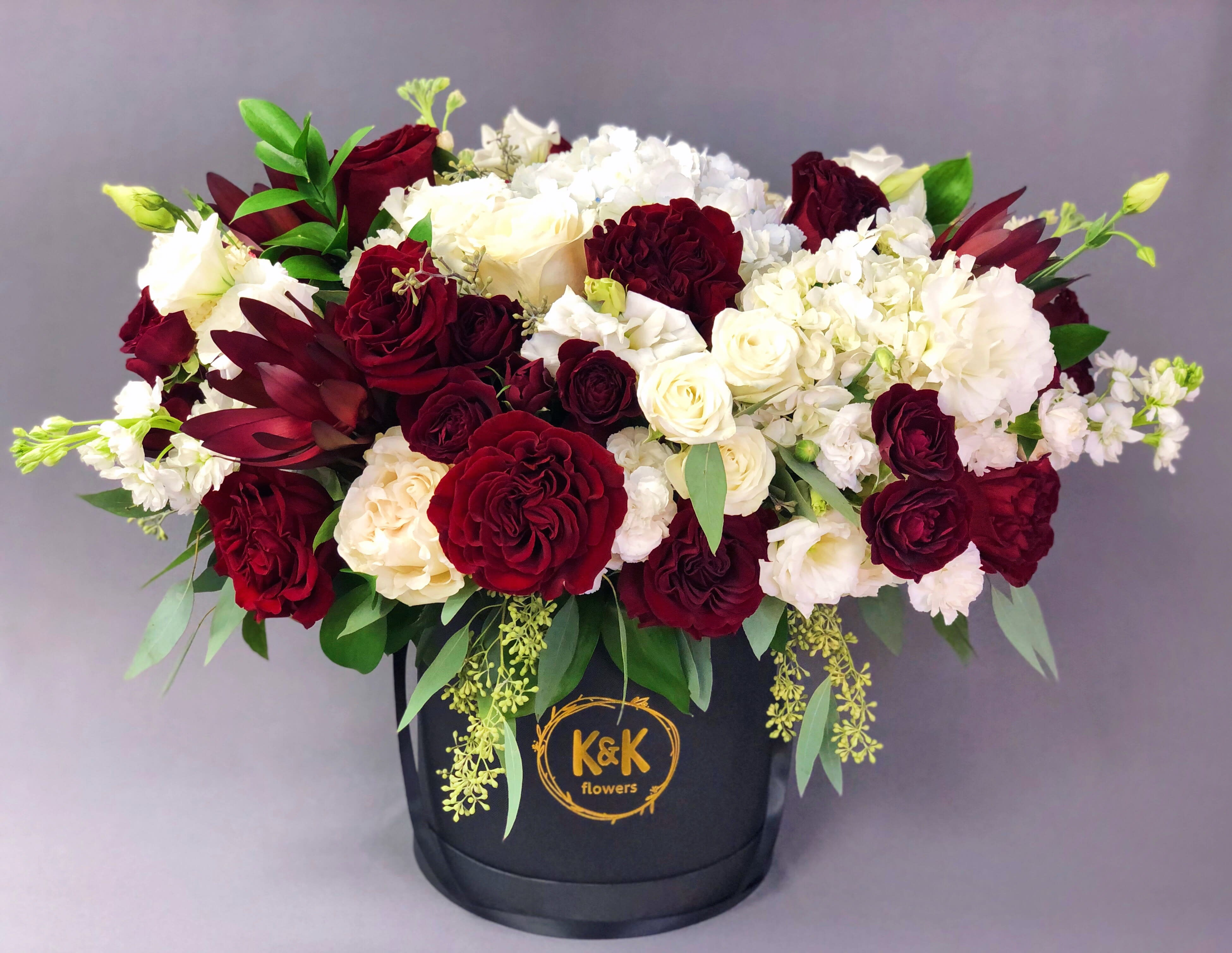 105 Xxl Hat Box Arrangement Red And White In A Black Box By K K Flowers